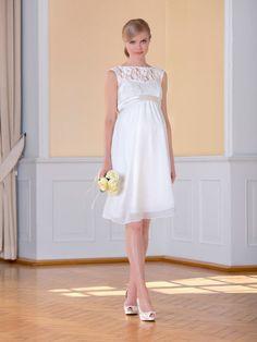 Du bist schwanger und suchst ein süßes Brautkleid fürs Standesamt? E voila: Sweetbelly Couture wartet schon bei #cruszberlin auf dich! http://crusz.de/brautkleider-fuer-schwangere/ Foto: Sweetbelly Couture