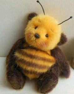 Bee the bear Cute Stuffed Animals, Cute Animals, Stuffed Bear, Softies, Plushies, I Love Bees, Bee Art, Cute Teddy Bears, Baby Teddy Bear