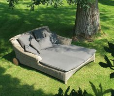4 Seasons Outdoor Valentine 2 Seater Sunbed in Pure - Free delivery & 10 year guarantee on the Hularo weave. Buy online today from Hayes Garden World! Outdoor Sofa, Outdoor Cushions, Outdoor Spaces, Outdoor Living, Garden Loungers, Outdoor Loungers, Garden Bed, Patio Furniture Sets, Outdoor Furniture
