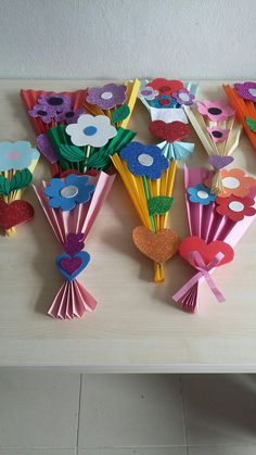 Crafts for kids, cake pops, preschool, childhood education, kids arts and. Mothers Day Crafts For Kids, Fun Crafts For Kids, Craft Activities For Kids, Preschool Crafts, Art For Kids, Spring Toddler Crafts, Summer Camp Crafts, Camping Crafts, Spring Crafts