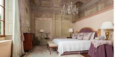 Frescoed Executive Suite | Florence Suites | Four Seasons Hotel Firenze, Italy