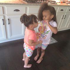 Cute Mixed Babies, Cute Black Babies, Cute Baby Girl, Cute Babies, Cute Kids Fashion, Baby Girl Fashion, Beautiful Children, Beautiful Babies, Siblings Goals
