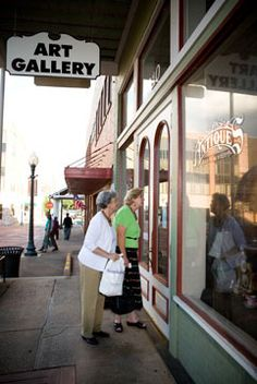 Antiques and Shopping - Visit Nacogdoches, The Oldest Town in Texas!