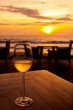 A glass of wine. Yves Duteil, Wine Glass Images, Ngapali Beach, Hallandale Beach, Wine Photography, Applis Photo, Wine Time, Forever, Photo Instagram