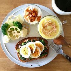 料理女子必見♥ ご飯をより一層美味しくお洒落に撮影する5つのポイント | by.S Good Morning Breakfast, Morning Food, Brunch Recipes, Breakfast Recipes, Plate Lunch, Sweet Potato And Apple, Cooking Recipes, Healthy Recipes, Food Plating
