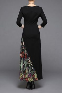 Shop ziyi black v neck print chiffon maxi dress here, find your maxi dresses at dezzal, huge selection and best quality. Trendy Clothes For Women, Trendy Dresses, Nice Dresses, Casual Dresses, Fashion Dresses, Chiffon Maxi Dress, Maxi Dresses, Batik Fashion, Batik Dress