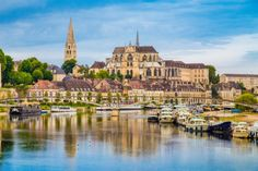 Explore the most beautiful villages in Burgundy Wine Region France, located along 3 of the main Burgundy Wine Trails (Route des Vins Bourgogne). Burgundy France, Burgundy Wine, Burgundy Map, Beautiful Hotels, Beautiful Places, Lovely Things, Auxerre France, Provence, Vietnam