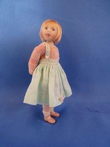 4-jointed dollshouse doll Peanut