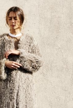 Maryam Nassir Zadeh, no collar, fur coat with loose hairstyle. Fashion Gone Rouge, Mein Style, Autumn Winter Fashion, Marie, Fashion Beauty, Women's Fashion, Style Me, Street Style, Style Inspiration
