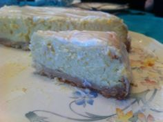 Classic lemon #cheesecake by Lucia Salerno on https://www.facebook.com/photo.php?fbid=10202401188625262&set=gm.232141036968398&type=1