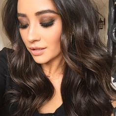 Brown curly hair    holiday hair ideas