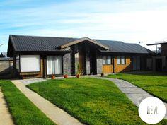 Fotos de casas de estilo rústico : casa wt | homify Concept Home, Gazebo, New Homes, Outdoor Structures, Mansions, House Styles, Outdoor Decor, Home Decor, Country Houses