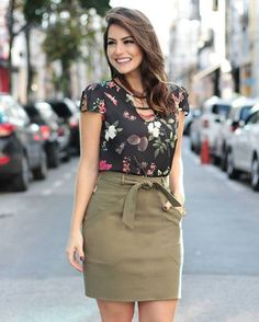 31 Sexy Casual Skirt and Blouse this Fall - outfits Blouse Styles, Blouse Designs, Super Moda, Casual Wear, Casual Outfits, Skirt Outfits, Rocker, Rock Chic, Office Outfits