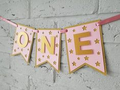 New baby first birthday party ideas girl diy pink and gold 61+ Ideas First Birthday Decorations Girl, Baby Girl Birthday Theme, 1st Birthday Banners, First Birthday Parties, Birthday Party Themes, Diy Birthday, Birthday Highchair, Themed Parties, Birthday Cakes