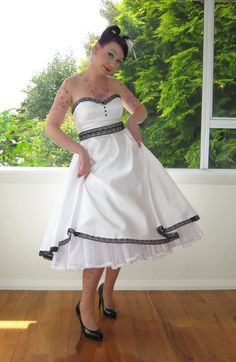 1950s Pin up Strapless Wedding Dress with a by PixiePocket on Etsy, $360.00