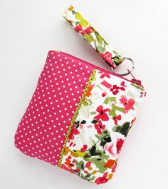 Zipper Pouch Pink and Floral