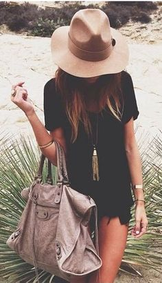 Felt hat + mini dress + oversized handbag