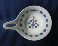 Figgjo Flint Norway 'Menu' dish / pan with handle and embroidered pattern of a peacock Norway, Peacock, Decorative Plates, Dish, Menu, Handle, Pattern, Vintage, Home Decor