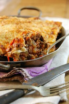 Foodie travel 238198267767066001 - Moussaka – Gratin d'aubergine au boeuf – Tangerine Zest Source by tangerinezest High Carb Foods, No Carb Diets, Low Carb, Vegetarian Recipes, Cooking Recipes, Healthy Recipes, Vegetarian Lifestyle, Carb Cycling Diet, Musaka