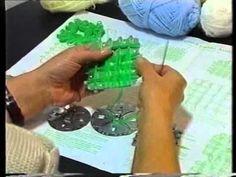 Piastrella con fiori tutorial 1° Parte - telaio di Maria Gio - YouTube