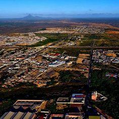 Punto Fijo desde el aire. Foto tomada por el drone de @juancarogas #puntofijo #drone #peninsula #cerrosantaana #EdoFalcon