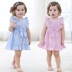 new born baby dress Baby Girl Frocks, Baby Girl Party Dresses, Frocks For Girls, Little Girl Dresses, Baby Frocks Designs, Kids Frocks Design, Baby Girl Dress Design, Kids Dress Patterns, Sewing Baby Clothes
