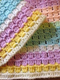 Beautiful Block Stitch Free Crochet Patterns and Projects - sewing a blanket Crochet Block Stitch, Crochet Blocks, Crochet Baby Blanket Beginner, Crochet Stitches Patterns, Crochet Crafts, Crochet Toys, Crochet Mask, Easy Crochet, Diy Crafts