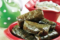 stuffed grape leaves-japrak me gjethe rrushi dhe salce kosi...