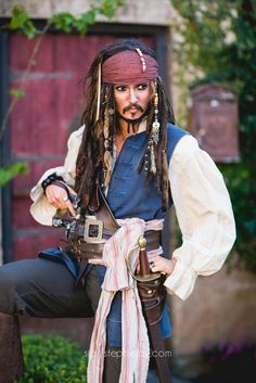 Johnny Depp Captain Jack Sparrow Cosplay stephiejoy.com Photographer: Stephie Joy Photography Cosplayer: https://www.facebook.com/AlysonTabbithaOfficial Alyson Tabbitha