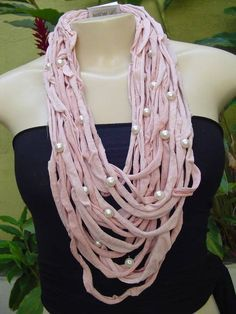 Colar tons de rosa com pérolas