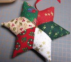 Comment confectionner une étoile de Noël en Patchwork, les tutos.. Découvrez le tutoriel complet en images et bien détaillé pour confectionner une étoile de Noël en patchwork. Superbe décoration de Noël en tissu. Sur le blog : Froufrou et Capucine - Voir le tuto de l'étoile de Noël Patchwork !