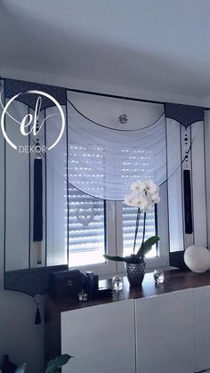 Whether you're looking for elegant draperies, covered valances, or a simple swath of fabric, we have window treatment ideas that will complement every room in the house. Window Treatment Ideas - Whether you're searching for drapes, tones or something in b Bedroom Curtains With Blinds, Modern Curtains, Kitchen Curtains, Drapes Curtains, Valances, Drapery, Bathroom Windows, Bathroom Window Curtains, Window Shutters