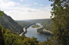 View from Tammany Trail at Delaware Water Gap