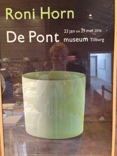 Vandaag naar Tilburg gereden en de tentoonstelling van Roni Horn in de Pont bezocht. De Pont blijft samen met het Stedelijk in Amsterdam mijn favoriete musea.