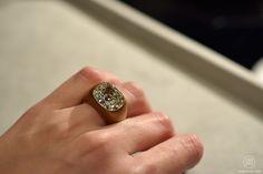 Hemmerle, Antique cushion-cut diamond ring, white gold, bronze