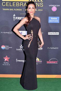 Malaika Arora Khan flaunted her 'oh so sexy' curves in a black dress at #IIFA Awards 2014.