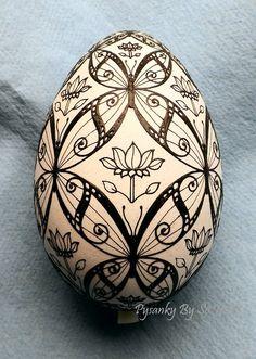 WIP - Butterflies Turkey Egg Pysanka Pysanky Ukrainian Easter Egg Batik Art by So Jeo - on Ebay, sold, just like the design