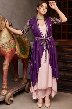 Party Wear Indian Dresses, Dress Indian Style, Indian Fashion Dresses, Indian Designer Outfits, Designer Anarkali Dresses, Designer Party Wear Dresses, Kurti Designs Party Wear, Stylish Dress Designs, Designs For Dresses