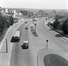 Av 9 de Julho nos anos 50  Vista em direção aos Jardins.  Ônibus GM da CMTC e Chevrolet 39