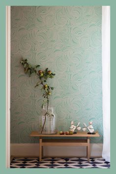 Tourbillon by Farrow & Ball * Wonderwall * The Inner Interiorista Spring Wallpaper, Metallic Wallpaper, New Wallpaper, Farrow Ball, Powder Room Wallpaper, House In Nature, Kitchen Paint Colors, Interior Inspiration, Inspiration Wall