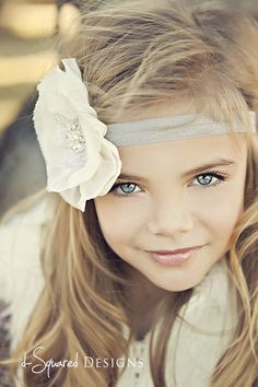 Pretty girl. Close up. Headband.  Photography @dsquareddesigns  Headband @LittleLovesDesigns