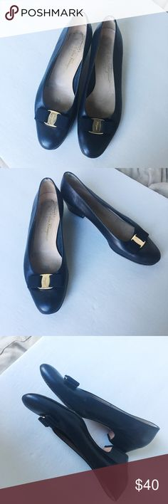Salvatore Ferragamo flats Classic flats! Signs of wear throughout and priced accordingly. Made in Italy! Salvatore Ferragamo Shoes Flats & Loafers