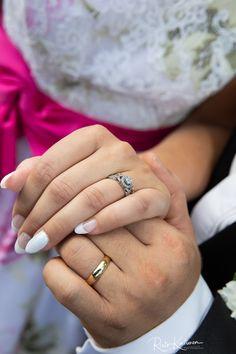 #valokuvaaja #hääkuvaaja #hääkuvaajaturku #häät2018 #häät2019 #destinationphogography #ristokuitunen #weddingphotography #igkuvaajat #beloved #love #portrait #belovedstories #potrettikuvaus #ammattikuvaaja #potrettikuvaaja #summerwedding #happymoment #bride #groom Class Ring, Rings For Men, Wedding Rings, Engagement Rings, Jewelry, Enagement Rings, Men Rings, Jewlery, Jewerly