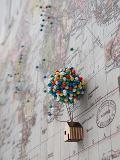 Ballon Pin House von CliveRoddy auf Etsy Beautiful Quirky Home Office Accessories Balloon Clusters, Home Office Accessories, Camera Accessories, Travel Accessories, Pin Up, Geek Decor, Decoration Bedroom, Wall Decor, Diy Wall