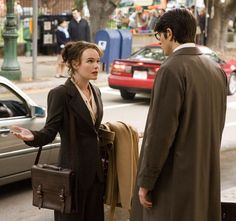Kate Bosworth and Brandon Routh as Lois Lane and Clark Kent in Superman Returns Clark Superman, Superman Film, Superman And Lois Lane, Adventures Of Superman, Superman Man Of Steel, Batman And Superman, Clark Kent Lois Lane, Emily Ratajkowski Outfits, Dc Comic Costumes