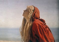 Dreamlike Autochrome Portraits of an Engineer's Daughter From 1913 Are Among the Earliest Color Photos http://www.thisiscolossal.com/2015/04/autochrome-portraits/