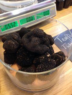Bolli's Kitchen Blackberry, Fruit, Kitchen, Food, Truffles, Cooking, Kitchens, Essen, Blackberries