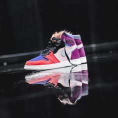 quality design ad4f7 2dfc9 Are you copping this women s exclusive Air Jordan 1 ! 💻 Check the