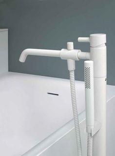 Bathtub mixer tap /