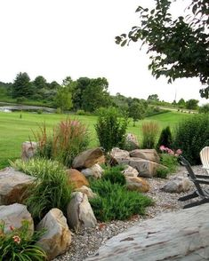 Beautiful front yard rock garden landscaping ideas (29)